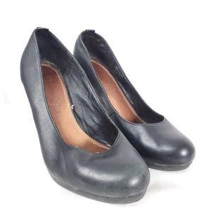 Aldo black leather platform pumps sz 9